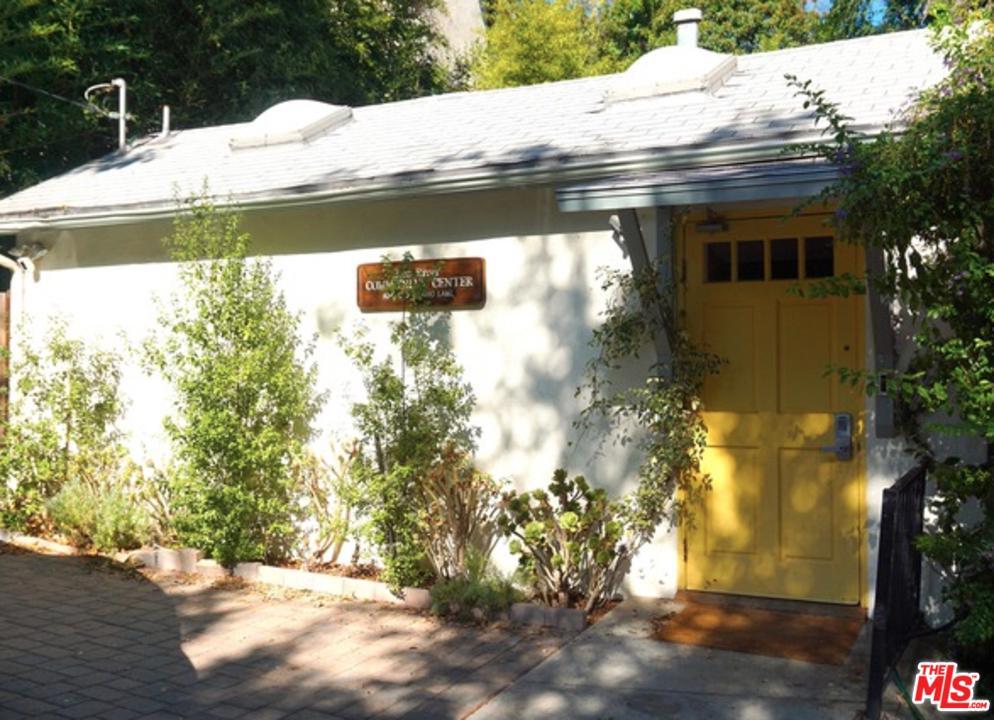 2245 N LATIMER Lane - Bel-Air / Holmby Hills, California
