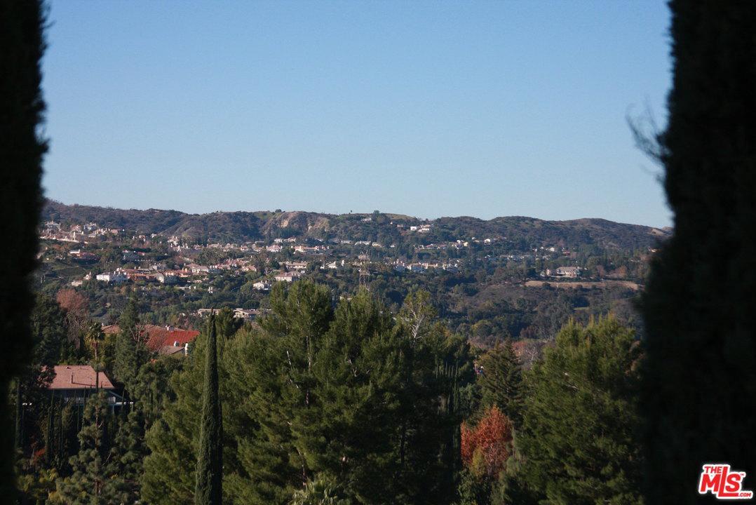 Photo of 17918 MEDLEY Drive, Encino, CA 91316