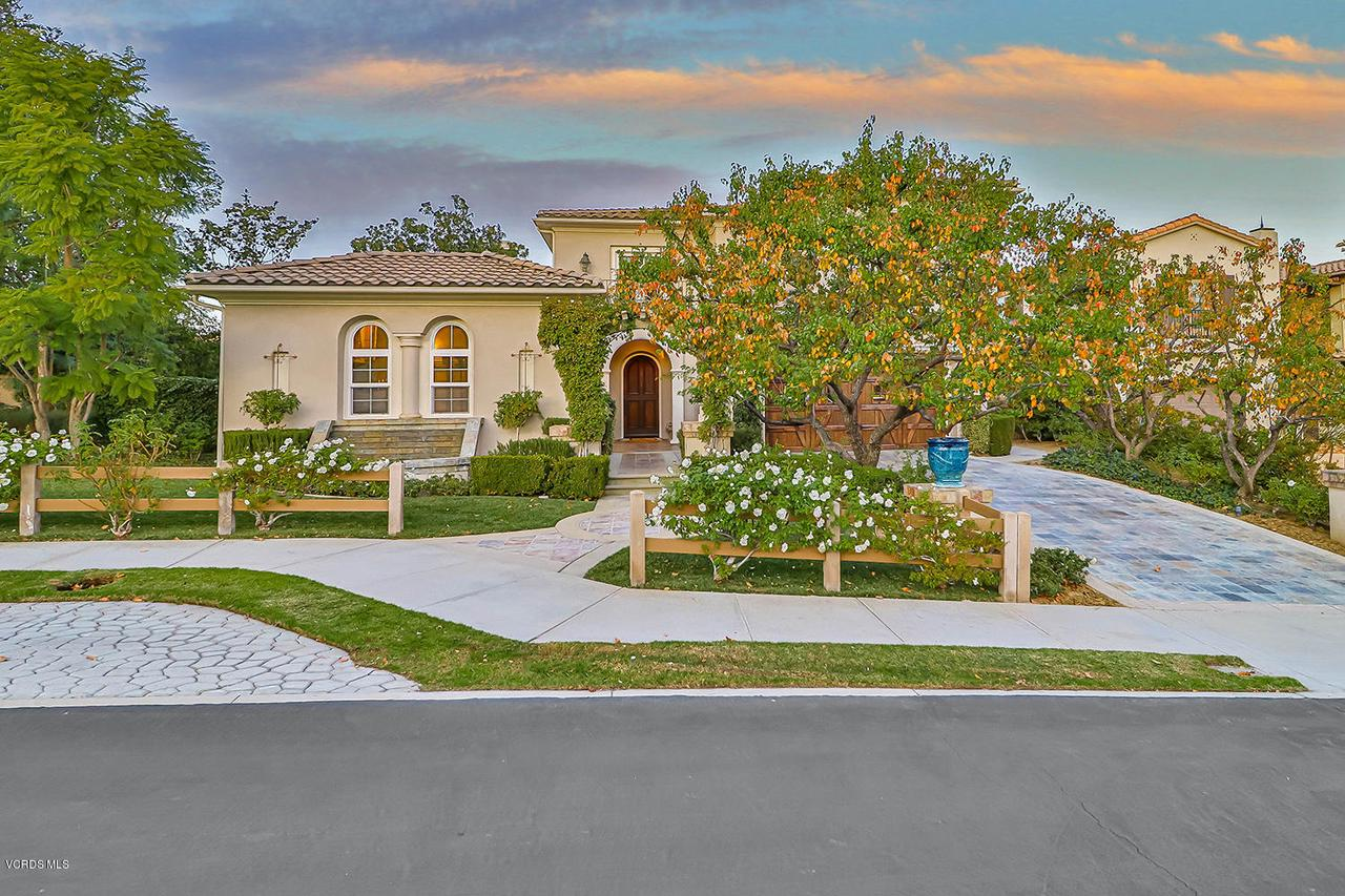 Photo of 457 VINEYARD Drive, Simi Valley, CA 93065