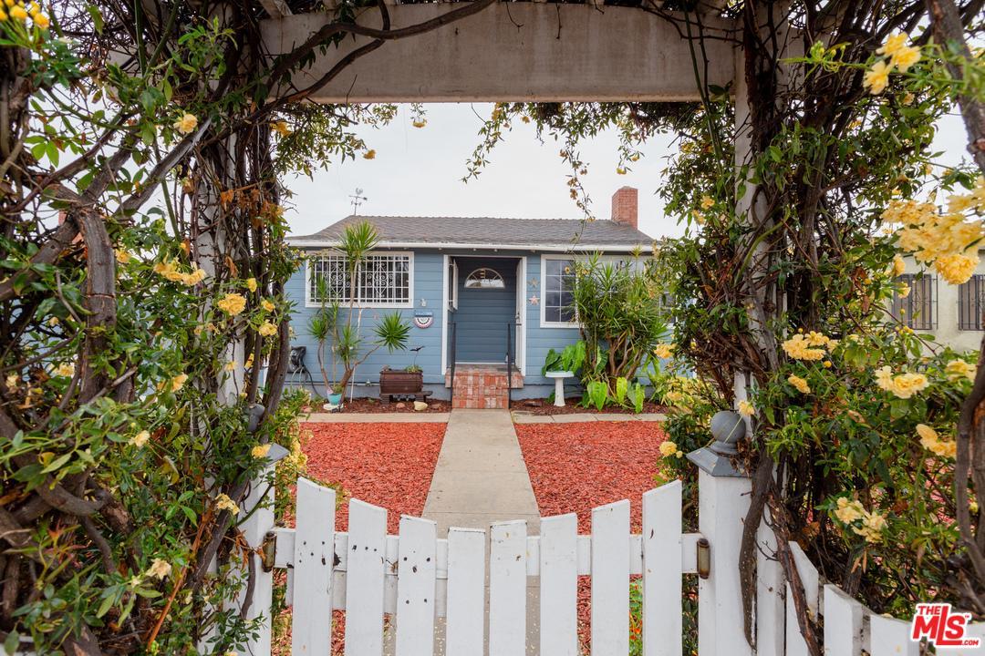 Photo of 12120 HAMMACK Street, Culver City, CA 90230