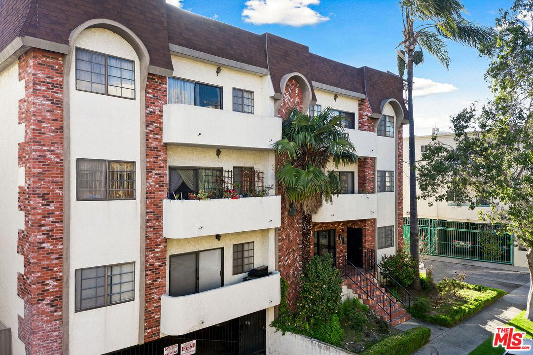 Photo of 1515 AMHERST Avenue #304, Los Angeles, CA 90025