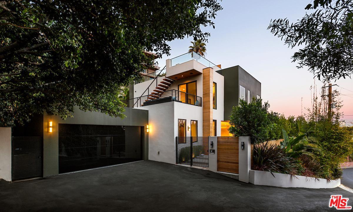 Photo of 8381 HOLLYWOOD, Los Angeles, CA 90069