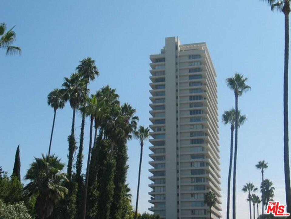 Photo of 9255 DOHENY Road #1401, West Hollywood, CA 90069