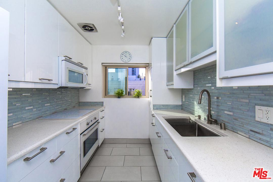 Photo of 1110 HACIENDA Place #307, West Hollywood, CA 90069