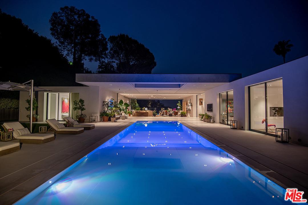 Photo of 1012 North HILLCREST Road, Beverly Hills, CA 90210