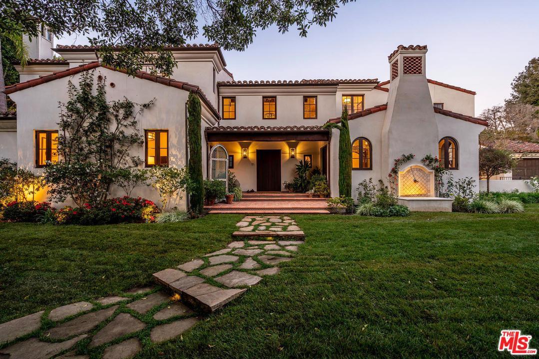 Photo of 1611 OLD OAK Road, Los Angeles, CA 90049