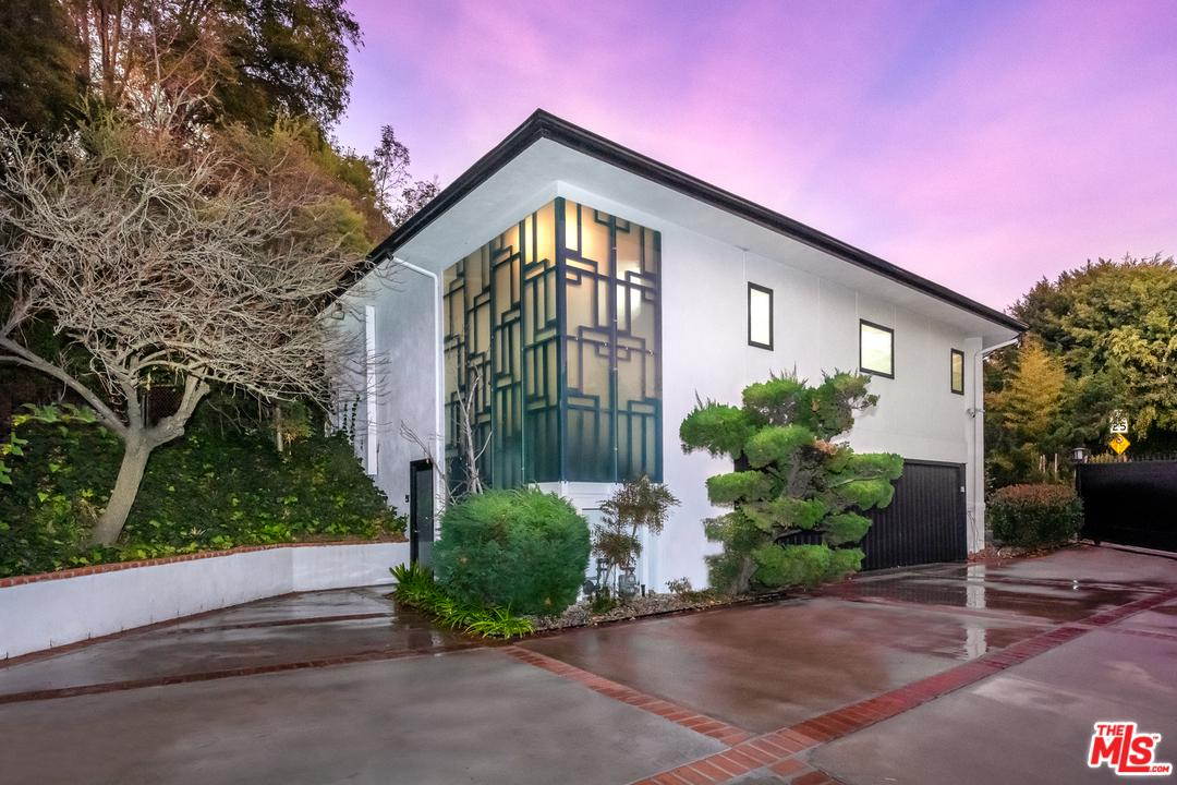 Photo of 103 North GLENROY Avenue, Los Angeles, CA 90049