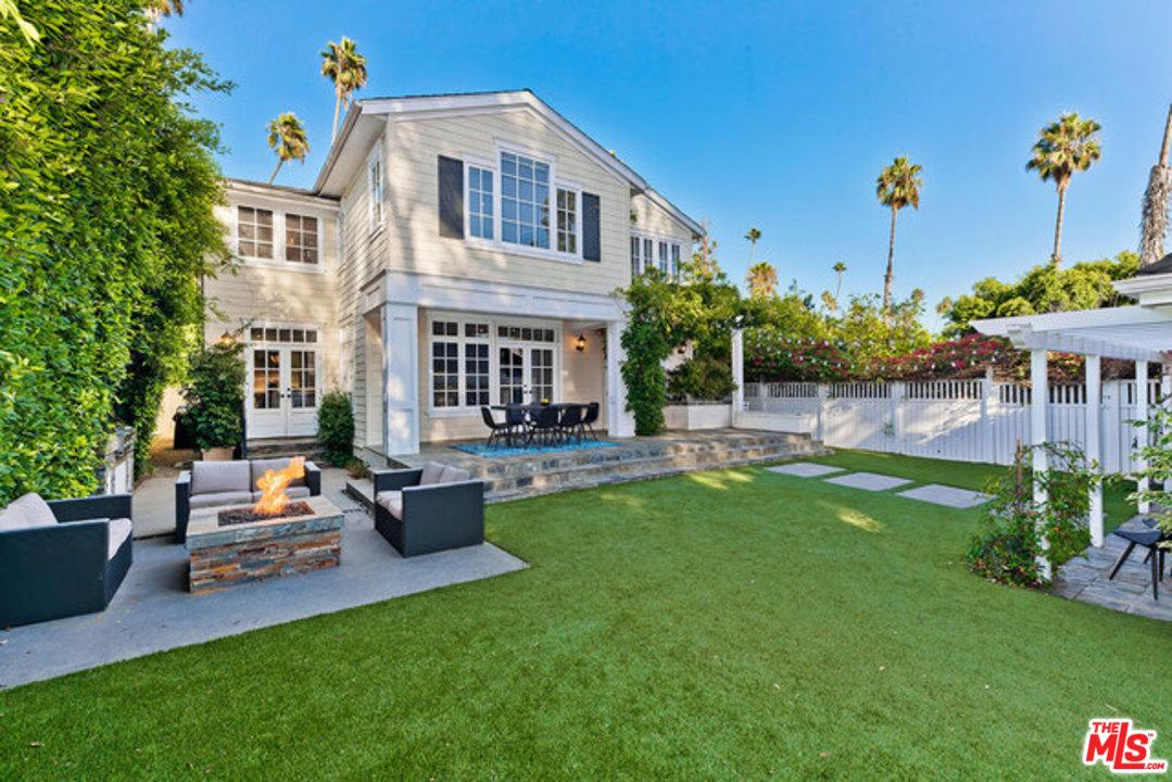 Photo of 961 South BUNDY Drive, Los Angeles, CA 90049
