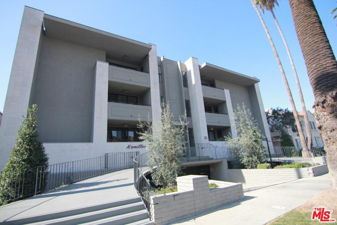 Photo of 121 North HAMILTON Drive #302, Beverly Hills, CA 90211
