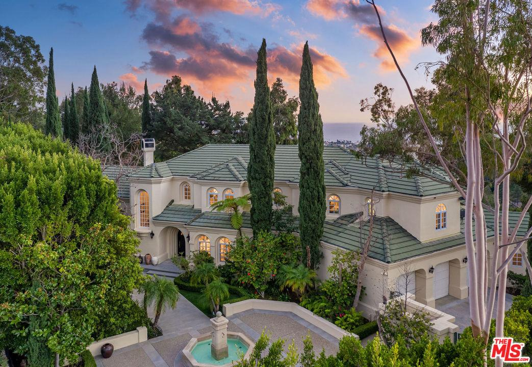 Photo of 16388 SHADOW MOUNTAIN Drive, Pacific Palisades, CA 90272