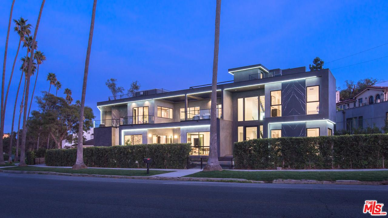 Photo of 12720 MONTANA Avenue, Los Angeles, CA 90049