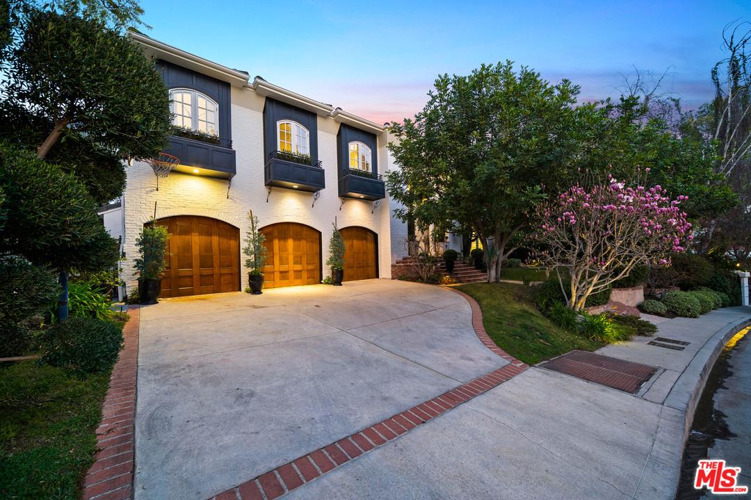 Photo of 12007 CREST Court, Beverly Hills, CA 90210