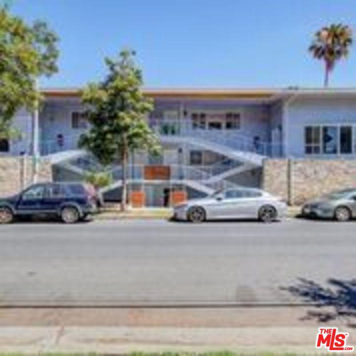 Photo of 8555 SHERWOOD Drive #6, West Hollywood, CA 90069