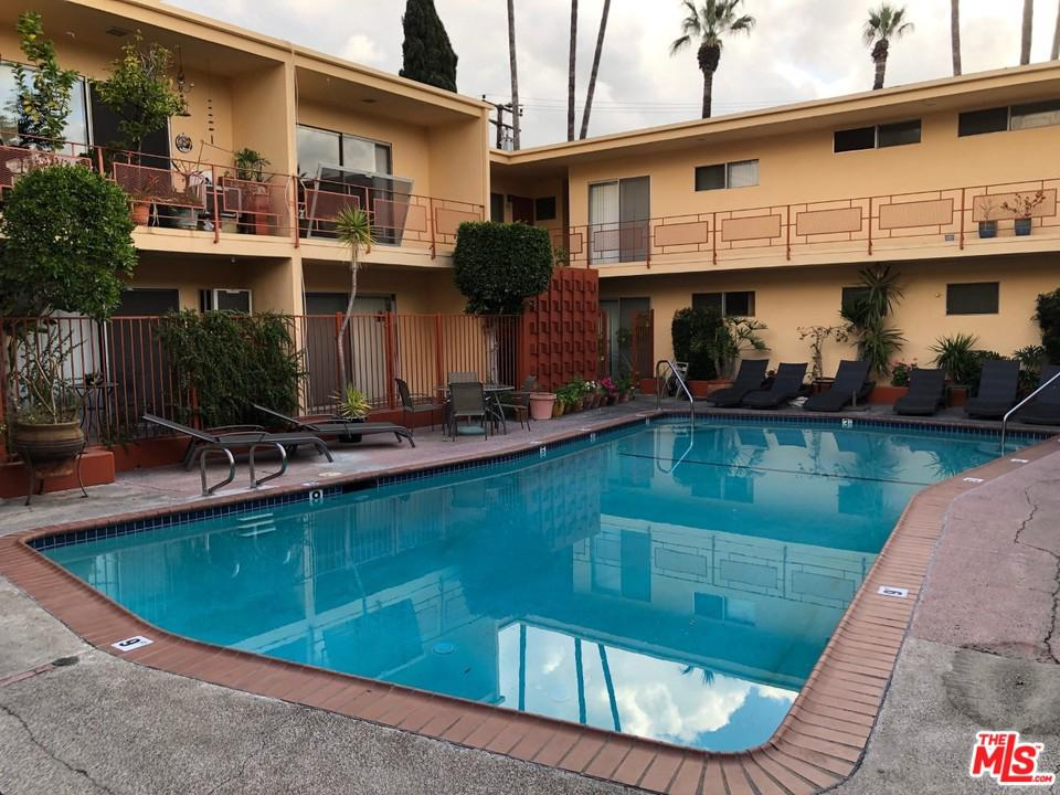 Photo of 917 LARRABEE Street #11, West Hollywood, CA 90069