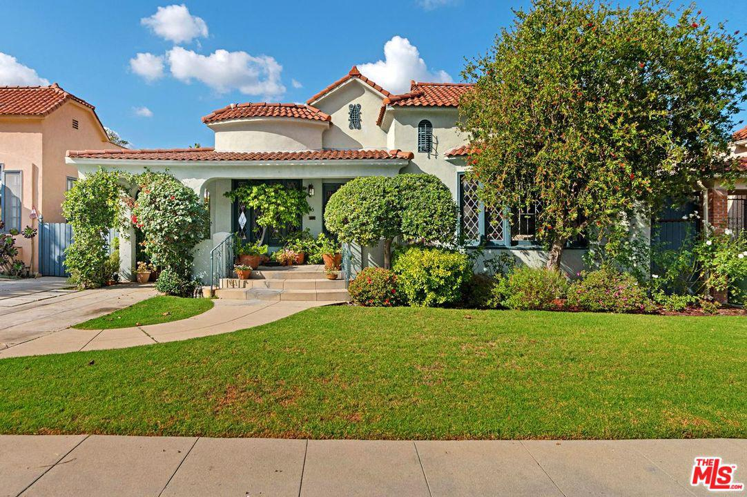 Photo of 825 South MUIRFIELD Road, Los Angeles, CA 90005