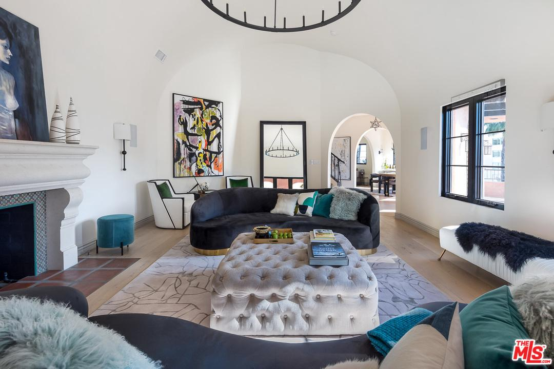 Photo of 8425 West SUNSET, West Hollywood, CA 90069