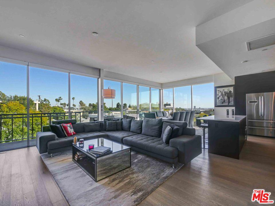Photo of 1345 HAVENHURST Drive #10, West Hollywood, CA 90046